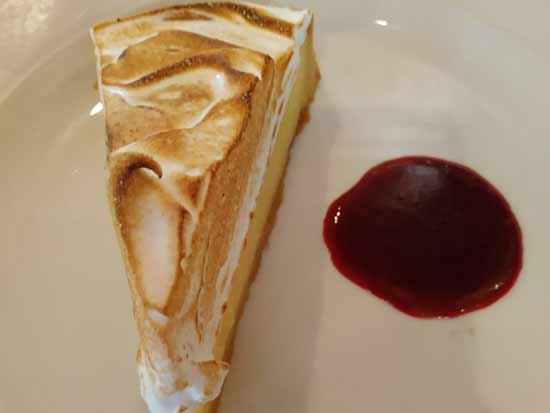 פאי ליים עם קצף ביצים אפוי/ צילום: מסעדת מיכאל ביסטרו