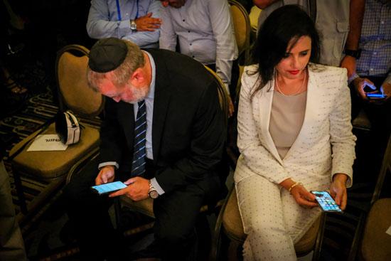 איילת שקד ואביחי מנדלבליט / צילום: שלומי יוסף