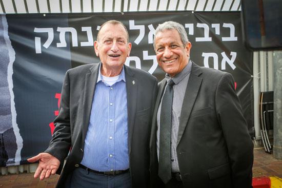 מאיר יצחק הלוי ורון חולדאי במסיבת העיתונאים נגד סגירת השדה / צילום: שלומי יוסף