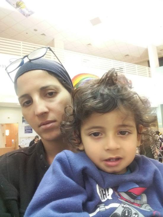 נחמה נאוגווקר  ובנה.  / צילום: פרטי