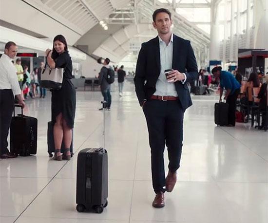 מזוודה אוטונומית שעוקבת אחריכם בעצמה/ צילום: יחצ
