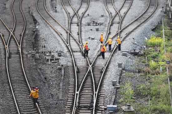 מסילת הרכבת בדואיסבורג, גרמניה/ צילום: רויטרס