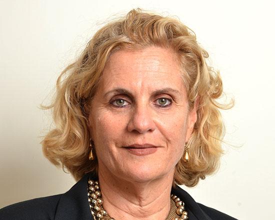 """עו""""ד מירה בורנשטיין, שותפה במשרד עו""""ד הרטבי, בורנשטיין, בסון/ צילום: איל יצהר"""