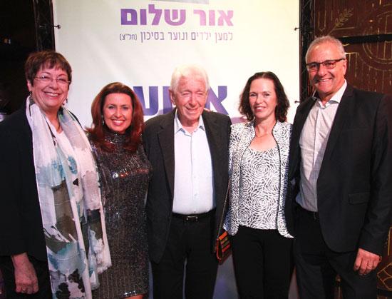 מימין לשמאל: גרג מייזל, ענת שעשוע, פרנק לאווי, נעמי ליברמן, טלי חלף / צילום: אסף לב