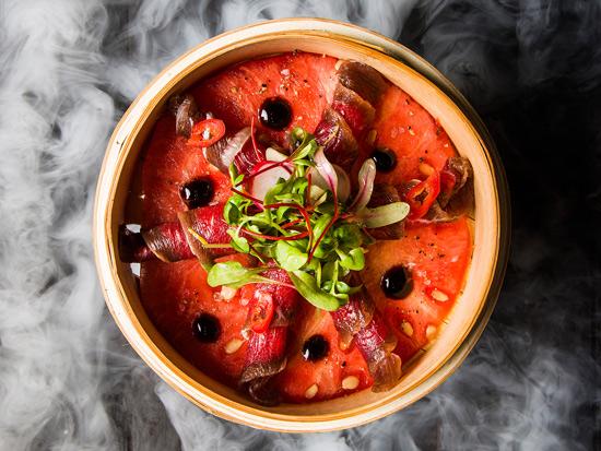 סיניה טלה במסעדת אוזריה/ צילום אסף אמברם