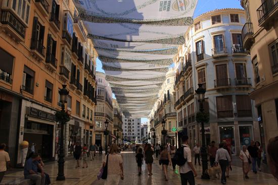 בדים להצללה בספרד?/ צילום: Shutterstock א.ס.א.פ קריאייטיב