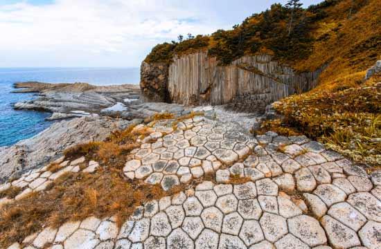 נופים וולקניים באי סחלין/  צילום: , Shutterstock | א.ס.א.פ קריאייטיב