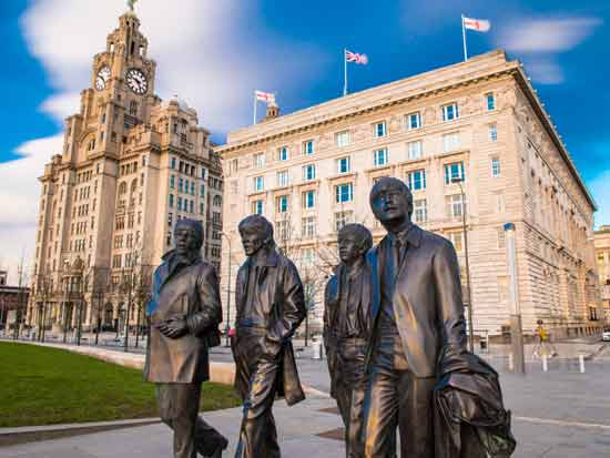 ליברפול, פסלם המפורסם של הביטלס ברחובות ילדותם   / צילום: Shutterstock | א.ס.א.פ קריאייטיב
