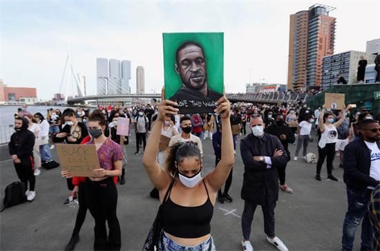 הפגנה ברוטרדם, הולנד / צילום: EVA PLEVIER, רויטרס