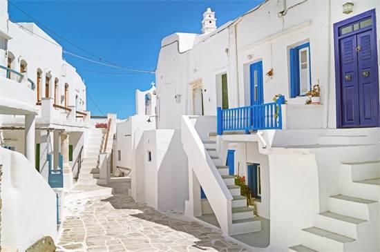 בתים יוונים מסורתיים באי סיפנוס / צילום: שאטרסטוק