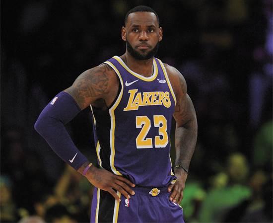 לברון ג'יימס (35). הוביל את קבוצתו לזכייה ב-NBA צילום: רויטרס Gary A