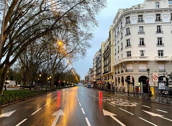 רחובות מדריד ריקים אחרי הגשם / צילום: אמיר טייג