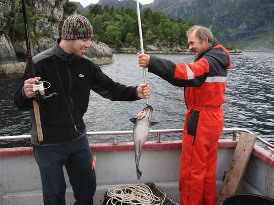 אביטל ואבא של תרזה יוצאים לדוג / צילום: תמונה פרטית