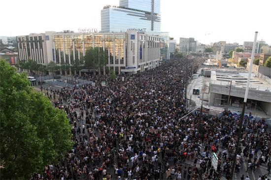 אלפי מפגינים בפריז / צילום: Michel Euler, AP