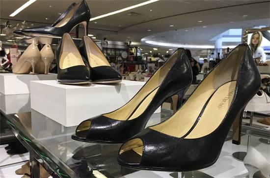 נעלי זאפוס / צילום: AP