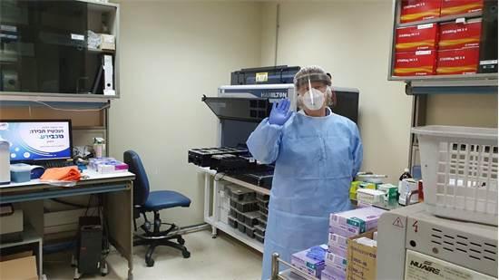 """מעבדה של מכבי שבודקת דגימות קורונה / צילום: דוברות משרד הבריאות, יח""""צ"""
