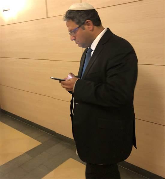 איתמר בן גביר במסדרונות הכנסת / צילום: טל שניידר, גלובס
