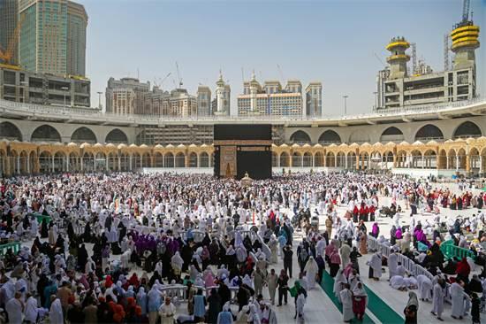 מסגד אל-חראם ב-3 מרץ, לפני שהרשויות בסעודיה אסרו על עלייה להרגל למקום / צילום: Ganoo Essa, רויטרס