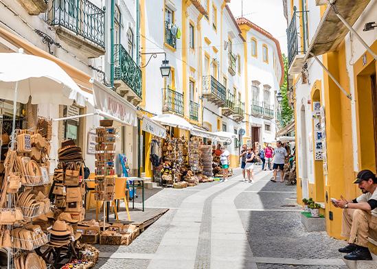 רחוב בפורטוגל / צילום: shutterstock, שאטרסטוק