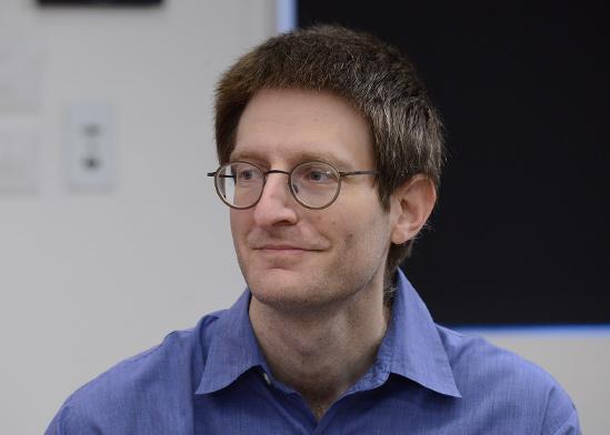 """ד""""ר דייבי דישטניק, חבר סגל בכיר באונ' ת""""א ובעלים של קרן השקעות פרטית  / צילום: איל יצהר, גלובס"""
