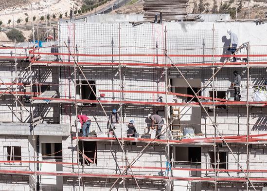 """אתר בנייה  בבאר שבע. """"מעדיפים 5,000 שקל אבטלה על פני 10,000 שקל בחום""""    / צילום: shutterstock, שאטרסטוק"""