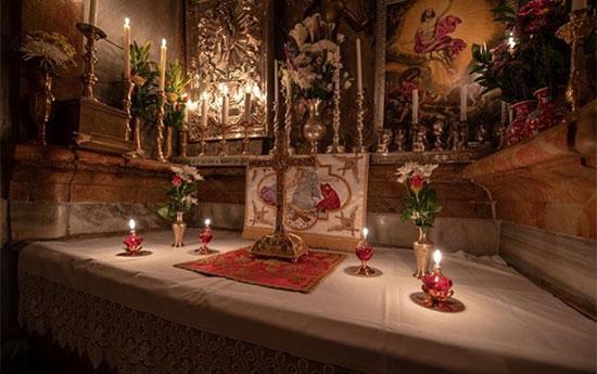 חגיגת מציאת הצלב הקדוש, בכנסית הקבר בירושלים, 7 במאי  / צילום: ג׳ובאני מלספינה