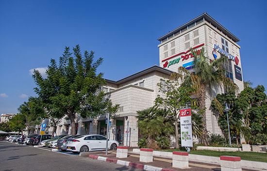 מרכז מסחרי בשוהם / צילום: אשטרום