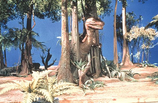 """דינוזאור מתוך סדרת הטלוויזיה """"The Lost Land"""" משנת 1974  / צילום: mptvimages.com"""