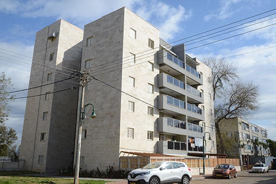 רחוב חנה סנש 218, זכרון יעקב / צילום: איל יצהר, גלובס