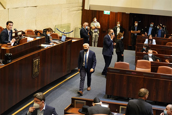 יאיר לפיד בדיון המליאה להצבעת אישור חוק יסוד הממשלה, היום (ה') / צילום: שמוליק גרוסמן, דוברות הכנסת