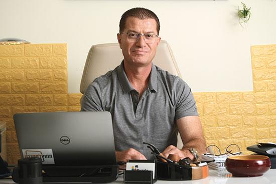 פאדי יונס, הבעלים של חברת פזל תקשורת / צילום: איל יצהר, גלובס