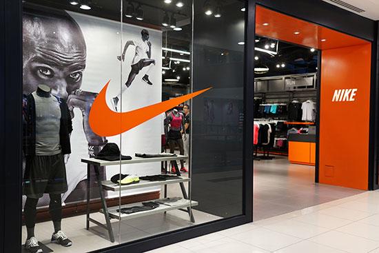 """חנות של Nike בארה""""ב. בקלות היה יכול להתגלגל אחרת / צילום: shutterstock, שאטרסטוק"""
