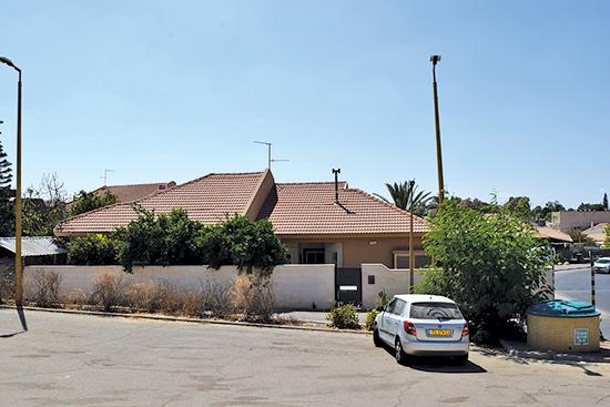"""שכונת הרי""""ף, בית 276, אופקים / צילום: בר אל, גלובס"""