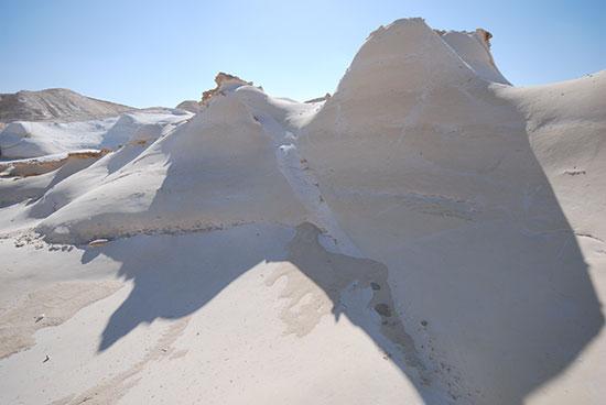 הסלעים הקצפתיים של חמוקי ניצנה / צילום: יותם יעקבסון