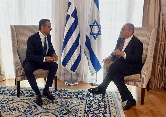 """ראש הממשלה נתניהו נפגש היום עם ראש ממשלת יוון קיריאקוס מיצוטקיס  / צילום: חיים צח, לע""""מ"""