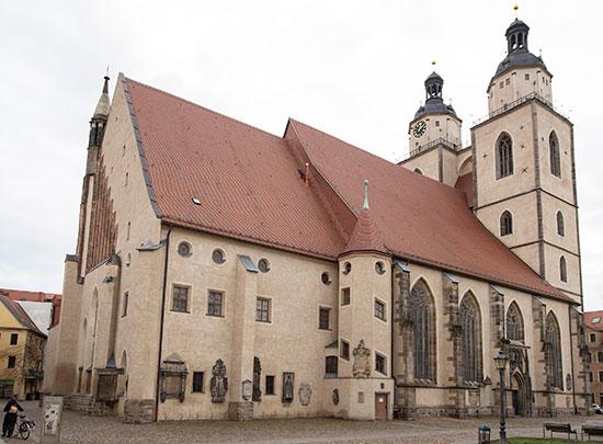 הכנסייה שבה מוטמע התבליט, בגובה 4 מטרים מהקרקע / צילום: Jens Meyer, Associated Press