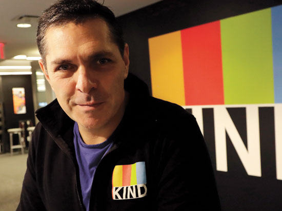 """דניאל לובצקי, מייסד ומנכ""""ל יצרנית החטיף KIND / צילום: Mark Lennihan, Associated Press"""