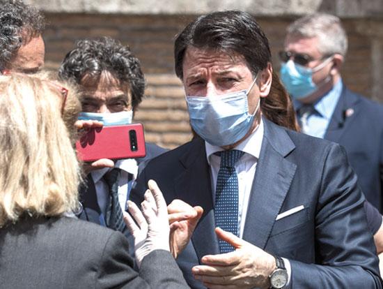 ג'וזפה קונטה,  ראש ממשלת איטליה / צילום: Roberto Monaldo, Associated Press