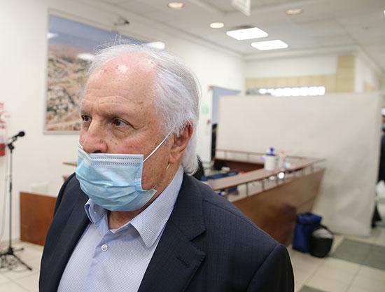 שאול אלוביץ', מחוץ לאולם המשפט / צילום: עמית שאבי, ידיעות אחרונות