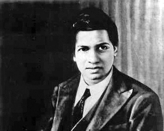 סריניוואסה רמנוג'אן, מתמטיקאי הודי. גילוי יומניו השפיע על עולם המתמטיקה  / צילום: ויקיפדיה