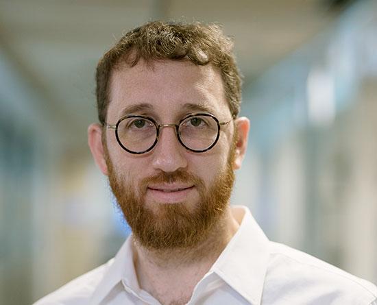 """איציק קרומבי, מנכ""""ל ביזמקס / צילום: ריקי רייכמן"""