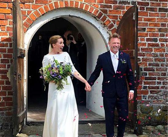 השגרה חזרה. ראשת הממשלה מטה פרדריקסן התחתנה השבוע לאחר שדחתה את החתונה מספר פעמים בגלל הקורונה / צילום: חשבון האינסטגרם הפרטי של פרדריקסן