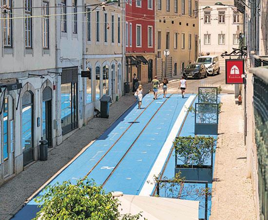 כבישים שהפכו למדרכות בליסבון, פורטוגל / צילום: רויטרס