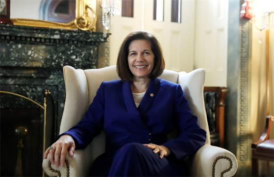 קתרין קורטז מסטו, נציגת נבדה בסנאט / צילום: Yuri Gripas, רויטרס