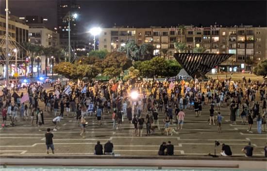 הפגנה נגד נתניהו בכיכר רבין, תל אביב / צילום: רון טוביה, גלובס