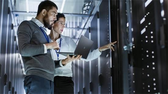טכנולוגיות תקשורת ארגונית (IT) הן אחת מאבני היסוד שעליהן נשען הארגון / צילום: Shutterstock/א.ס.א.פ קרייטיב
