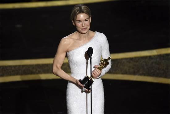 רנה זלווגר, זוכת האוסקר לשחקנית הטובה ביותר / צילום: Chris Pizzello, AP