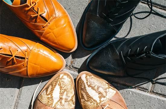 נעליים בעיצובה של קשת נוסצקי / צילום: שי הנסב