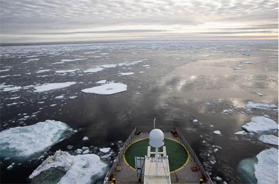 האוקיינוס הארקטי נשקף מהספינה של גרינפיס / צילום: Daniella Zalcman, גרינפיס