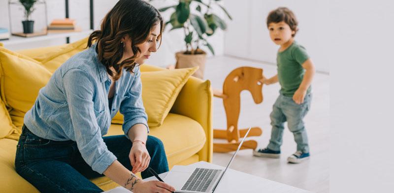 עבודה מהבית. המשבר מחייב לחשוב אחרת ולהפעיל טכנולוגיות / צילום: Shutterstock/א.ס.א.פ קרייטיב